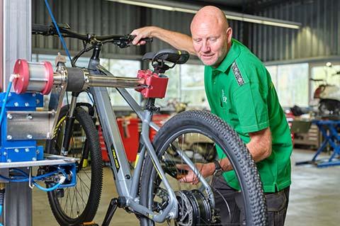 Velos und E-Bikes